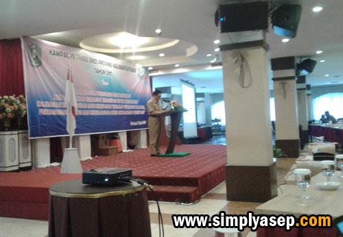 PEMBUKAAN :  Wakil gubernur Kalimantan Barat Bapak Drs Christiandy Sanjaya membuika secara resmi kegiatan kampanye Three Ends ini. Photo Asep Haryono
