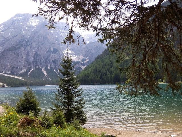 Lago di Braies RisparmiaeViaggia
