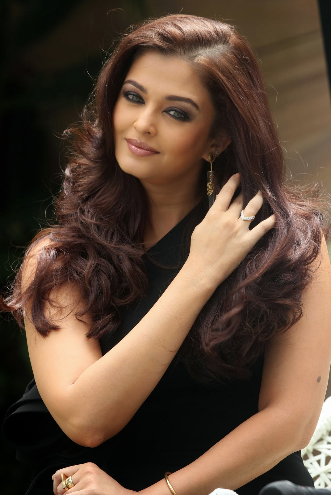 Gorgeous Aishwarya Rai At The Park Launch Latest Photos -4868