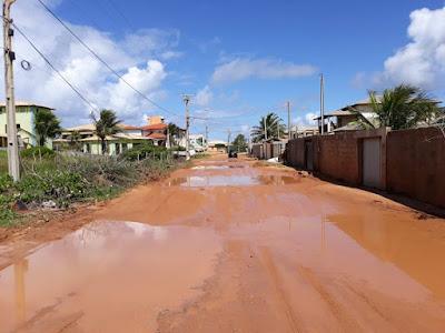 Moradores de Porto de Sauípe, em Entre Rios denunciam abandono e descaso de estrada