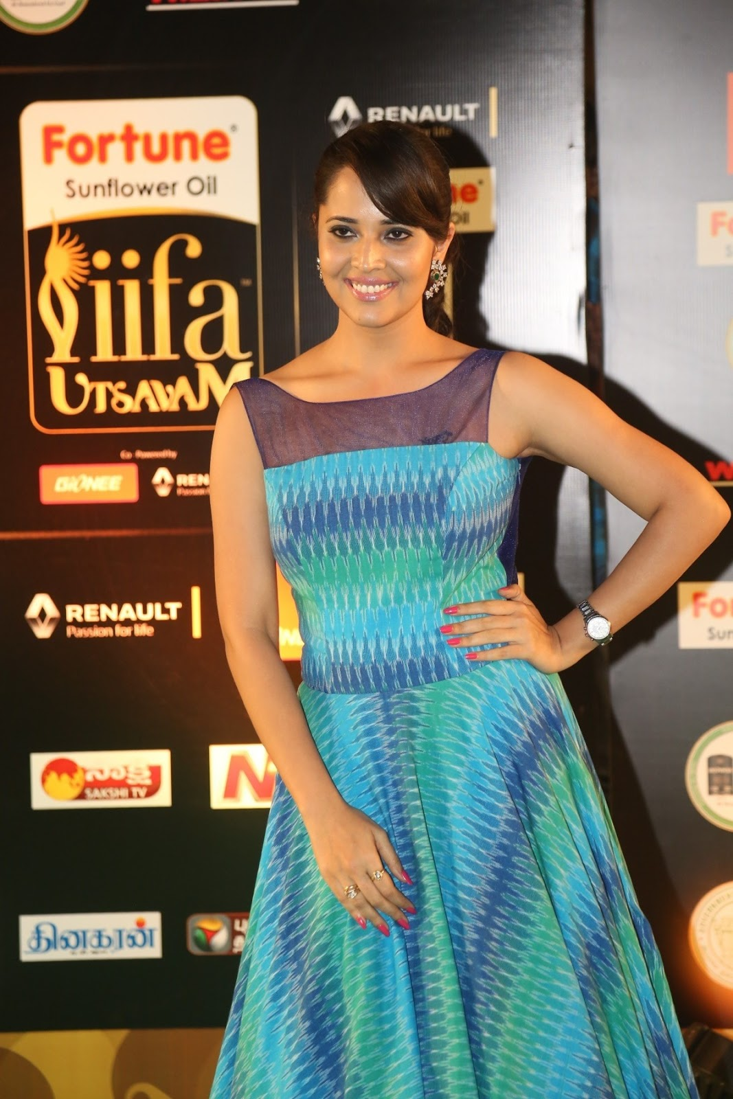 Anchor Anasuya Stills At IIFA Utsavam Awards