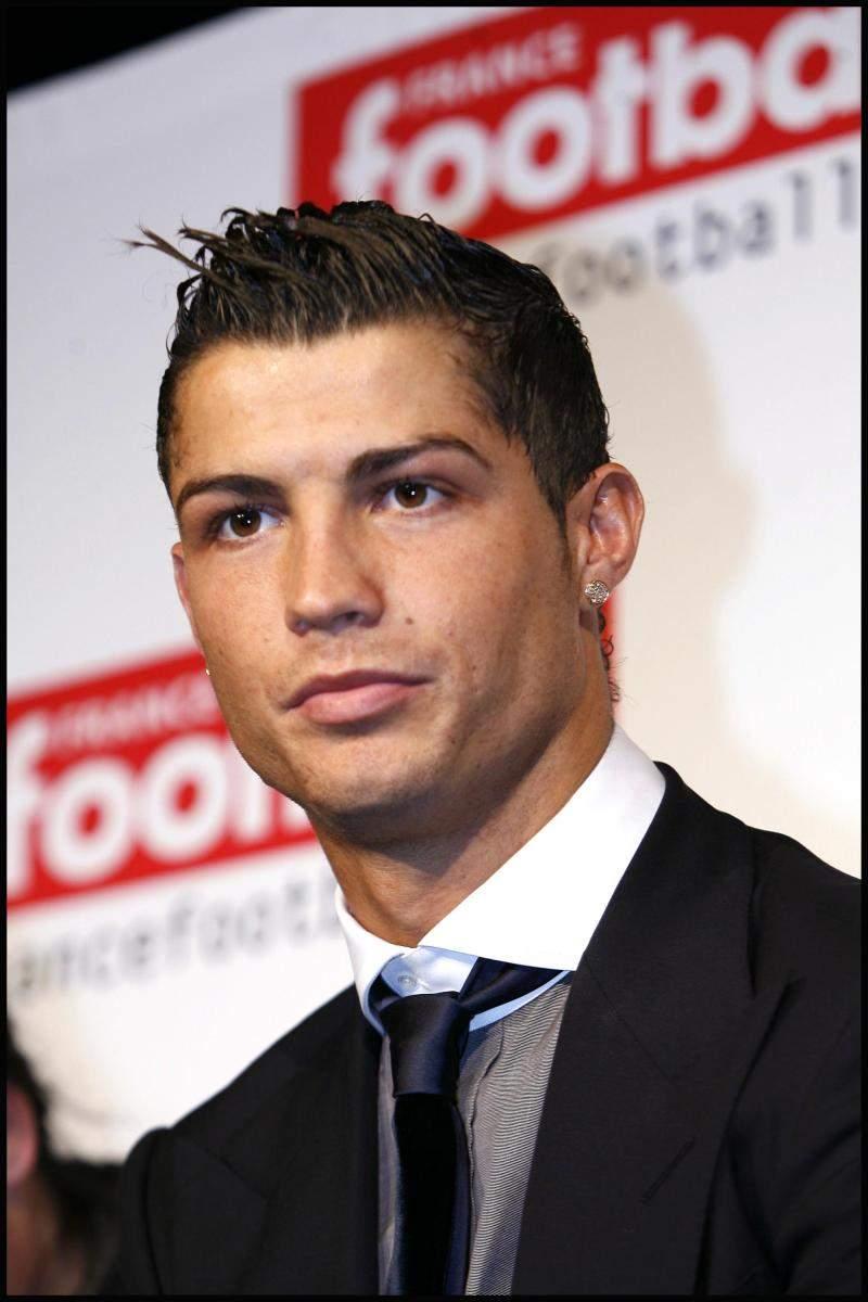 Love Wallpaper Gambar Cristiano Ronaldo