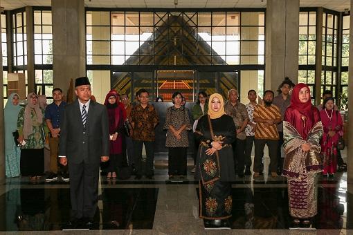 Rektor UI Lantik Dekan Fakultas Ilmu Administrasi