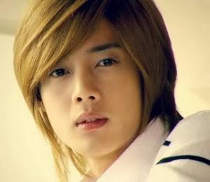 Sebelumnya saya telah menunjukkan sebuah model fashion rambut untuk perempuan 10 Model Potongan Gaya Rambut Pria ala Artis Korea