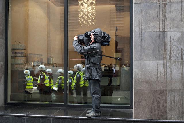 Manifestation, blocage du centre de commerce mondial, 8 mai 2012, Montréal [photos David Champagne]