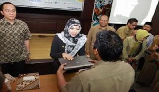Alhamdulillah... Mulai 2017, Pemerintah Bagikan Satu Laptop Satu Guru di Setiap Sekolah untuk Semua Jenjang