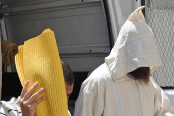 القبض على ملتح حاول إغراق غرب البلاد بـ 54 كلغ مخدرات