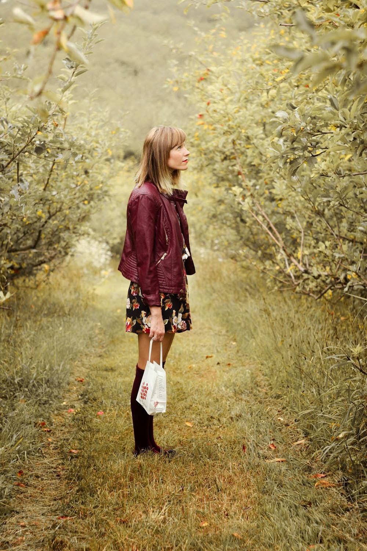 apple picking, stone ridge new york, nyc vintage fashion blog, knee high socks, vintage romper, forever 21 jacket