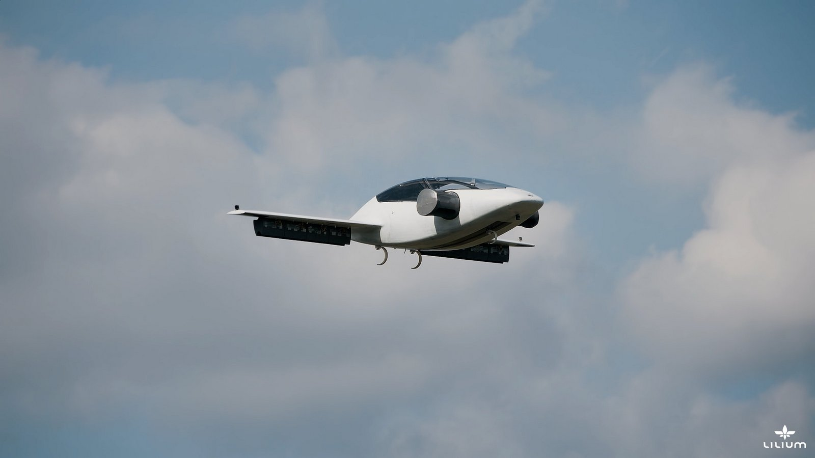 The Future Is Here: Lilium Jet's Electric Flying Car ...