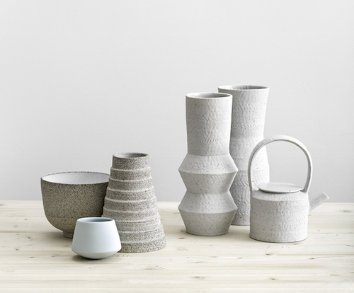 Interior-Design-Blog Leuchtend Grau - Vasen aus Keramik