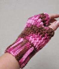 http://amigurumiscosaslindas.blogspot.com.ar/2013/06/mitones-crochet.html