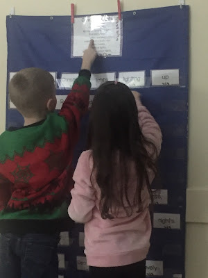 http://daughtersandkindergarten.blogspot.com/2016/11/how-to-organize-build-poem-centers.html