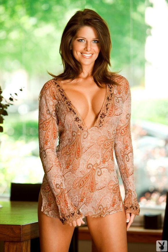 Hot Nude Housewife 38