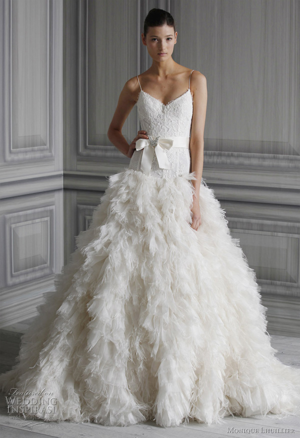 Very Nice Wedding Dresses 2012  Wallpaper  Pictures