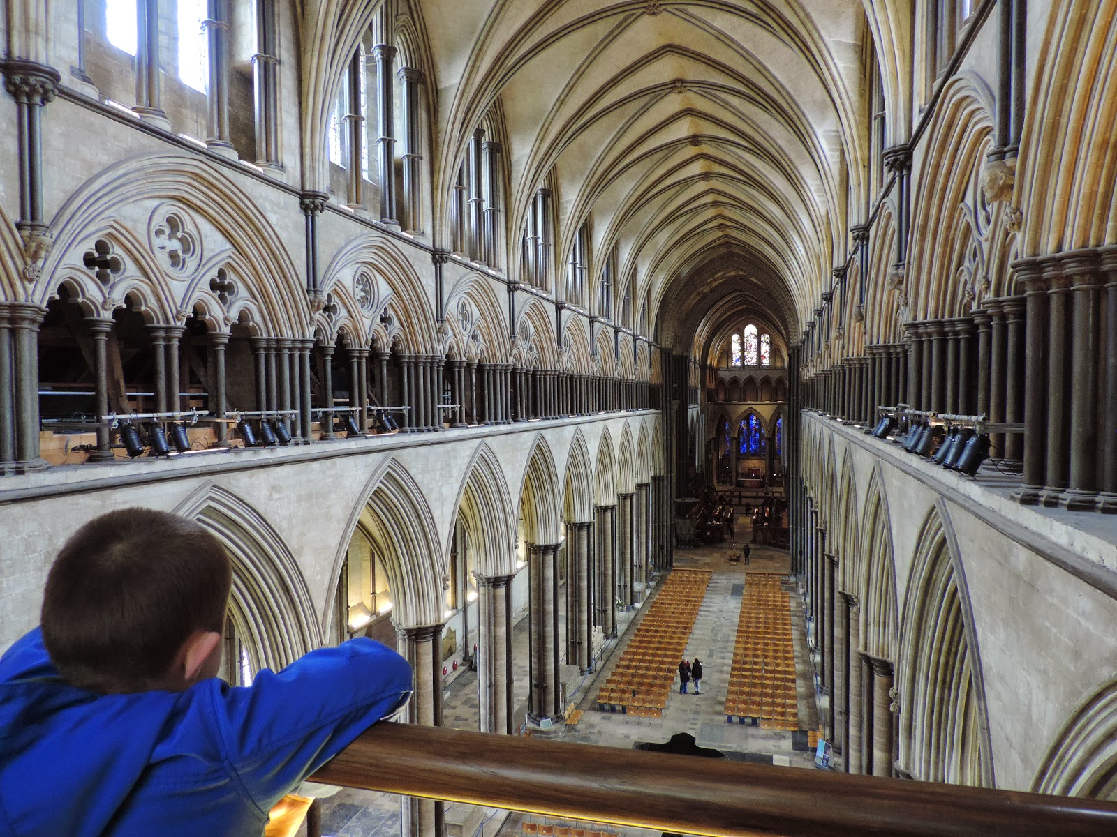 salisbury cathedral west nave