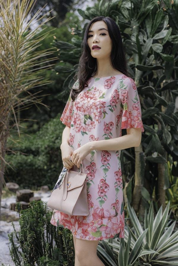 Hoa hậu Thùy Dung gợi ý chọn váy hoa cho nàng công sở - 2