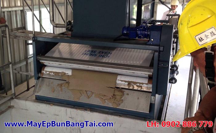 Máy ép bùn băng tải Chishun (Chi Shun) - Đài Loan đang chạy thử nghiệm sau khi lắp đặt