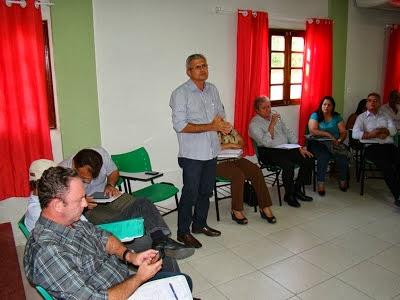 Prefeitos do Cariri discutem em Pesqueira-PE problema do Programa do leite de cabra