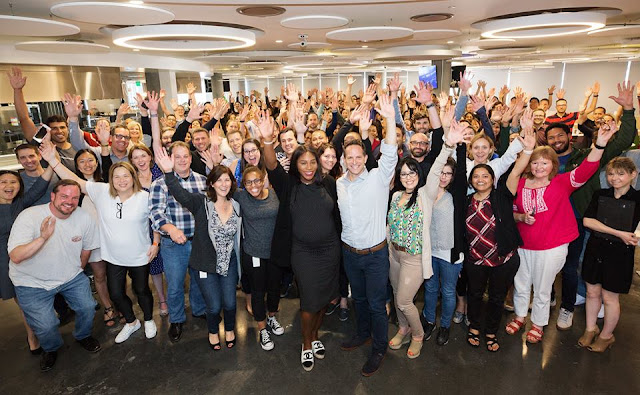 Serena Williams visited the Survey Monkey team