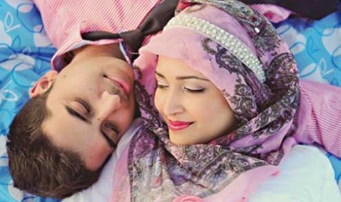 Inilah Hukumnya Seorang Suami Meminum Air Susu Istrinya, Tolong Sebarkan !!