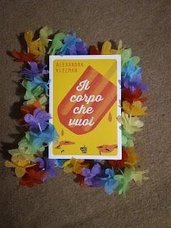 il corpo che vuoi alexandra kleeman recensione copertina felice con un libro