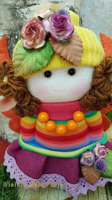 jesień, jesienne prace, jesienne robótki ręczne, skarpetkowe lalki, lalki szmaciane, lalki recznie szyte, zabawki ze skarpetki, Pani Jesień, elf, magiczny las, jesienny las, jesienne inspiracje, jesiennautumn, autumn works, autumn handicrafts, socks dolls, rag dolls, hand-sewn dolls, socks toys, Lady Autumn, elf, magical forest, autumn forest, autumn inspirations, autumn flowers, hand-made toys,e kwiaty, ręcznie zrobione zabawki, autumn, autumn works, autumn handicrafts, socks dolls, rag dolls, hand-sewn dolls, socks toys, Lady Autumn, elf, magical forest, autumn forest, autumn inspirations, autumn flowers, hand-made toys, lalki szyte ze skarpetki, lalki ze skarpetki,dolls sewn from socks, dolls from socks, idea for dolls,осенние, осенние работы, осенние рукоделия, куклы для новорожденных, куклы из тряпичной куклы, куклы с ручным заводом, игрушки для носков, осенняя леди, эльф, волшебный лес, осенний лес, осенние вдохновения, осенние цветы, игрушки ручной работы, куклы, сшитые из носков, куклы от носков, идея для кукол, otoño, trabajos de otoño, costura de otoño, muñecas de calcetines, muñecas de trapo, muñecas cosidas a mano, juguetes de calcetines, dama de otoño, duende, bosque mágico, bosque de otoño, inspiraciones de otoño, flores de otoño, juguetes hechos a mano, muñecas cosidas de muñecas de calcetines, idea para muñecas,  Herbst, Herbstarbeiten, Herbst Handarbeiten, Socken Puppen, Stoffpuppen, handgenähte Puppen, Socken Spielzeug, Herbst-Dame, Elf, Zauberwald, Herbstwald, Herbst-Inspirationen, Herbstblumen, handgemachtes Spielzeug, Puppen aus Socken genäht, Puppen aus Socken, Idee für Puppen