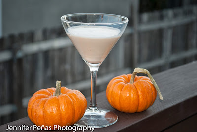pumpkin latta martini, thanksgiving cocktail, fall cocktail, autumn cocktail, pumpkin pie vodka, pumpkin pie liqueur, milk