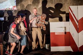 Humperdinck: Hansel & Gretel - Sofia Larsson, Ailsa Mainwaring, Polly Leech, James Harrison Pop-Up Opera (Photo Robert Workman)