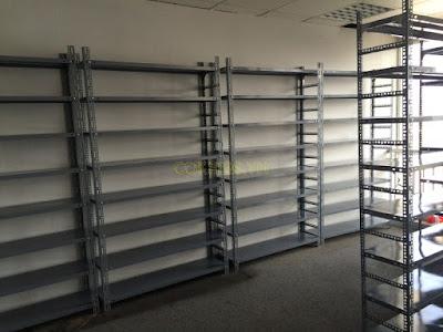 Kệ sắt lắp ráp dùng trong lưu trữ hàng hóa kho hàng