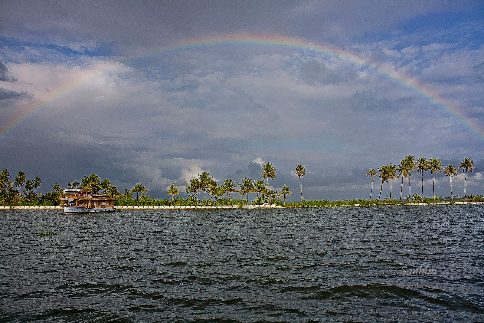 A complete rainbow after the storm