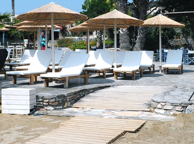 Faragas beach Paros island.Faragas beach bar Paros.Best Paros beaches.Paros beach bars restaurants.Paros ostrvo najbolje plaze.