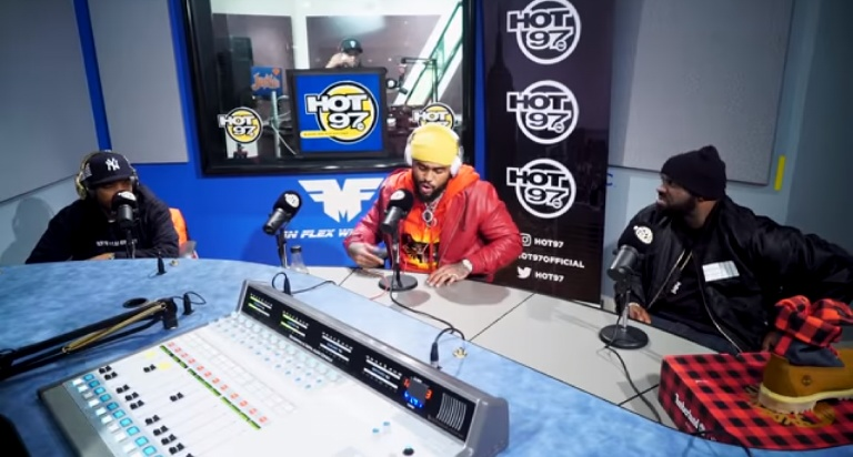 e6ad8fa6 Styles P and Dave East recently stopped by Funkmaster Flex's show on Hot 97  to deliver some bars for the people. After a quick pep-talk from Flex, ...