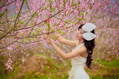 Lá Xuân chờ- Thơ xuân Huy Uyên