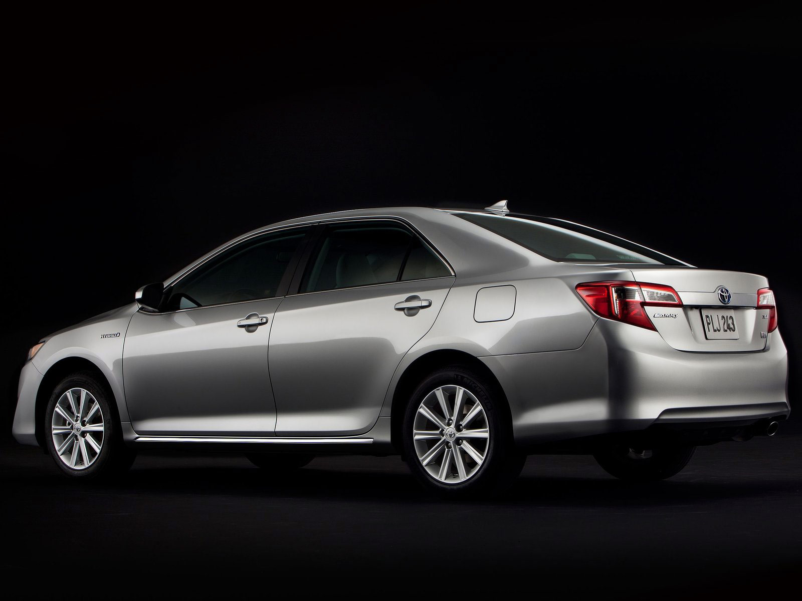 2012 Toyota Camry Hybrid Car Insurance Information