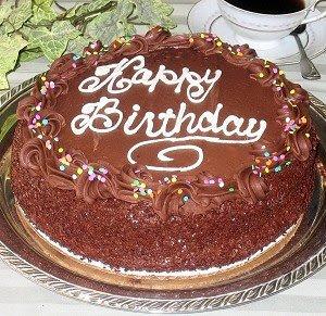 torta sretan rođendan Čestitke za rođendan: Prekrasna čokoladna torta uz čestitku Sretan  torta sretan rođendan