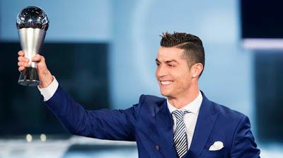 Christiano Ronaldo terpilih sebagai pemain terbaik FIFA 2017