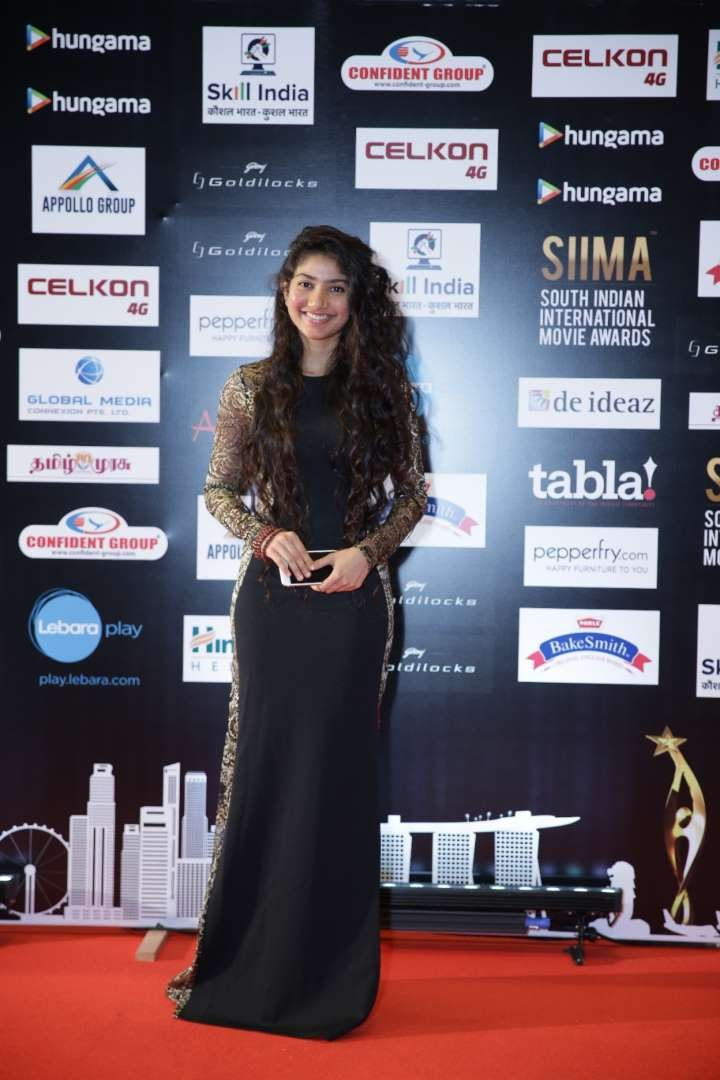 Best Female Debut Malayalam winner Sai Pallavi is all smiles