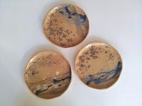 assiettes  en céramique, grès, faites et décorées main, made in Paris, made in France Annapia Sogliani handmade contemporary  ceramic plates japanese set, made in Paris,  piatti in ceramica fatti e decorati a mano