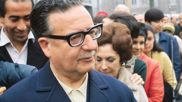 Salvador Allende, 4 Eylül 1970'te bir Latin Amerika ulusunun lideri olarak demokratik yollarla seçilen ilk Sosyalist lider