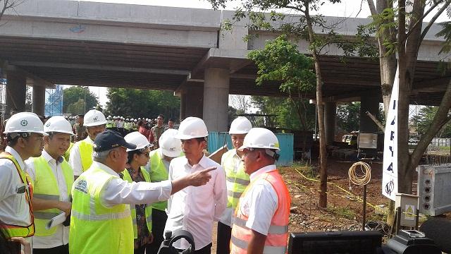 Jokowi : Jalan Tol Untuk Kepentingan Jutaan Orang