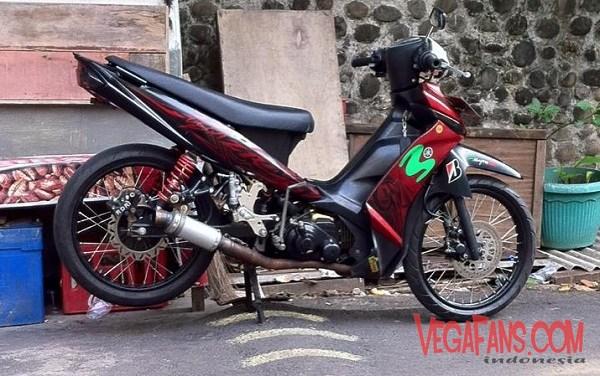 Modifikasi Vega ZR Merah Marun Ala Road Race Standar
