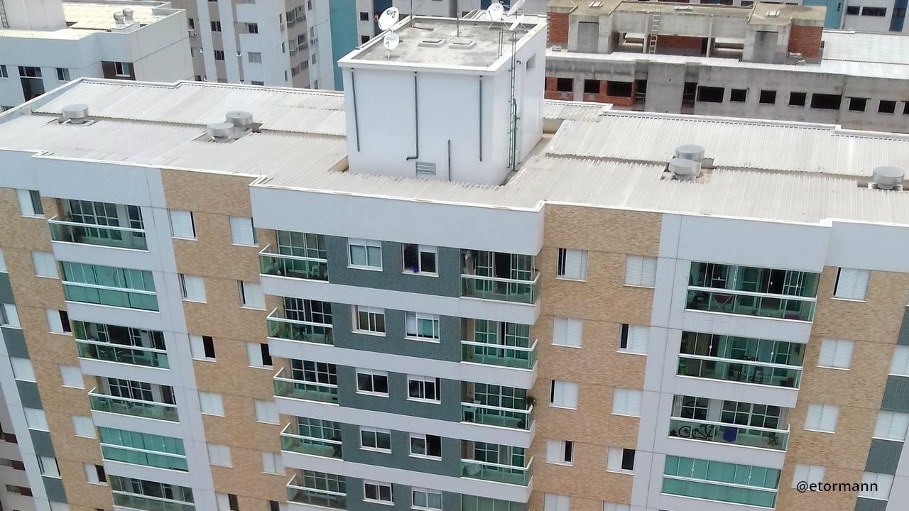 Cobertura dos prédios deve estar em dia para o período de chuvas