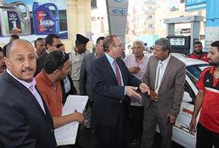 محافظ بنى سويف يتابع سير عمل محطات الوقود ويوجه بتكثيف الحملات الرقابية على كافة المحطات