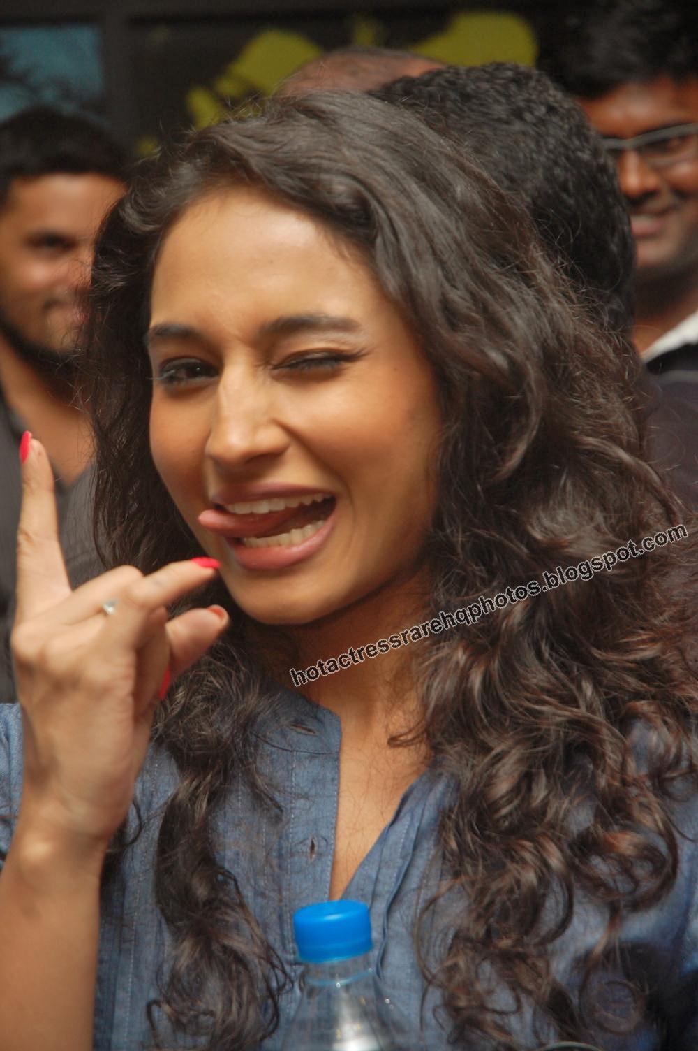 Hot Indian Actress Rare HQ Photos: Swamy Ra Ra Fame Pooja