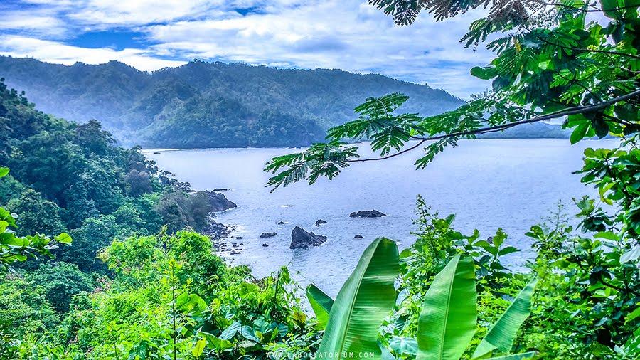 Laguna Gayau Keindahan Alam Tersembunyi di Teluk Kiluan Lampung Selatan Traveling in Indonesia