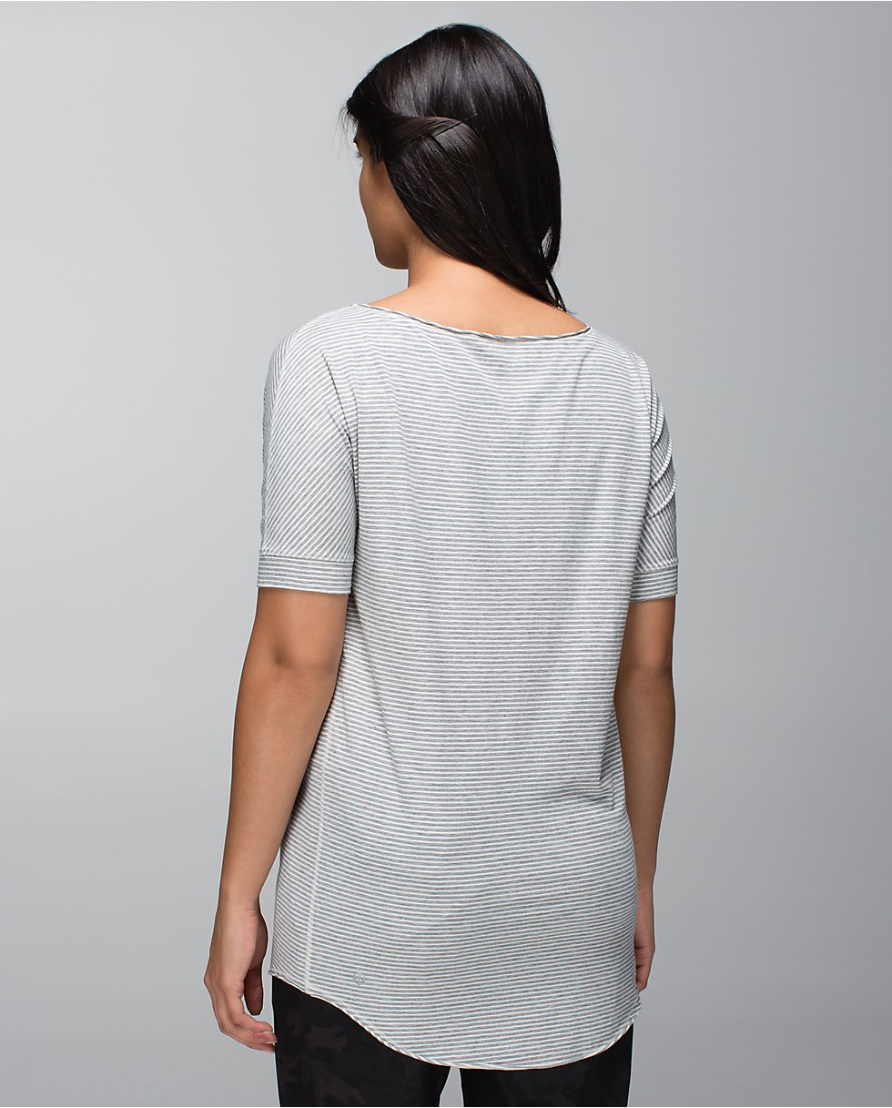 back of lululemon ravi tee