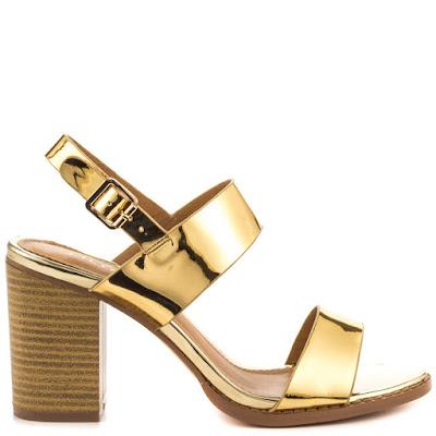como llevar zapatos dorados