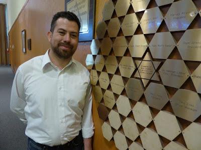 En los últimos años, algunas sinagogas de Los Ángeles han notado que inmigrantes latinoamericanos abrazan el judaísmo como una manera de reencontrarse con la religión de sus antecesores.