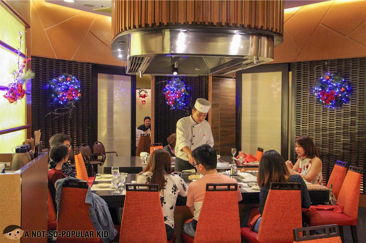 Kimpura's prime feature -- teppan grills on the spot