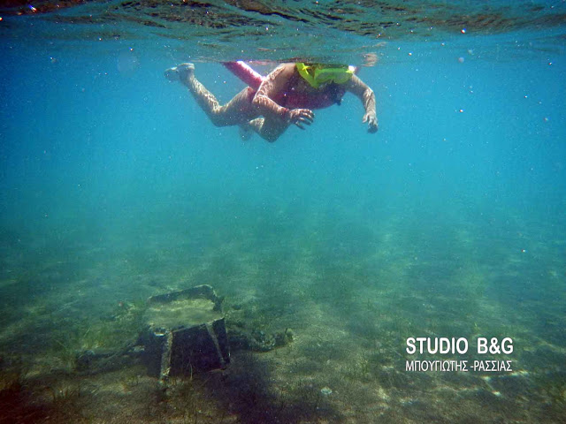 Ο κίνδυνος παραμονεύει για τους κολυμβητές στο βυθό της Καραθώνας (υποβρύχιο βίντεο)